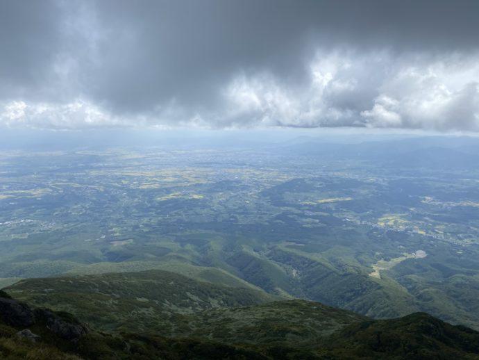 岩木山の山頂からの景色