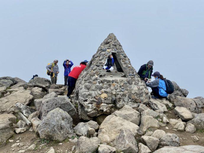 岩木山の頂上の鐘
