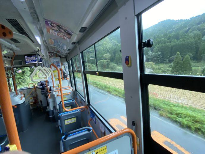 日の丸バス の車内