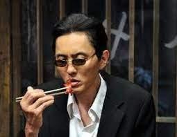 タコさんウィンナーを食べる龍ちゃん