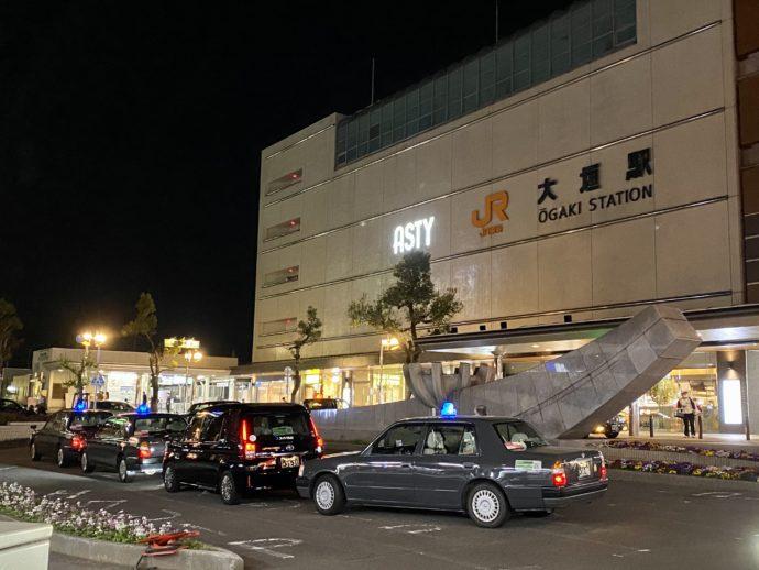 夜のJR大垣駅