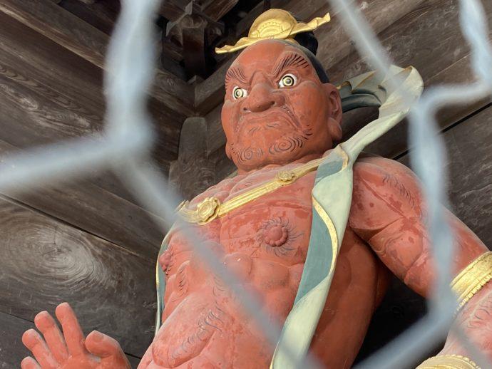 瑞龍寺山門の仁王像