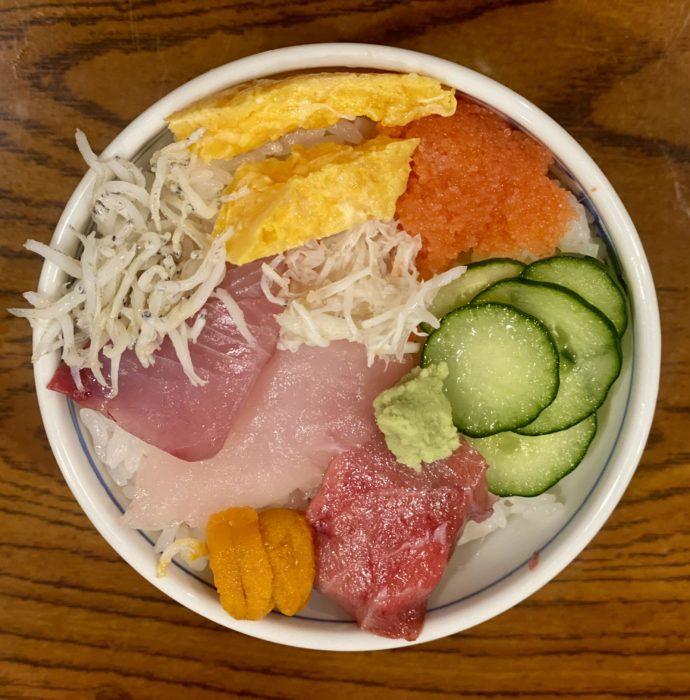 ミニ海鮮丼500円