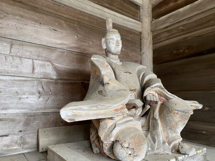 氣多大社山門の木像