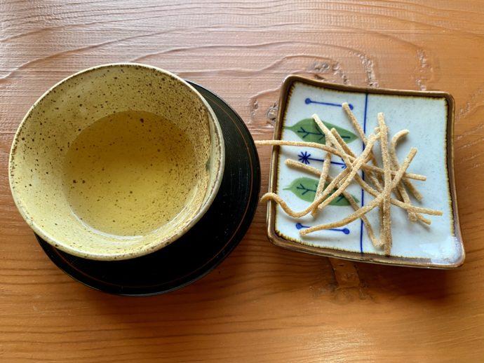 そば茶と揚げ蕎麦