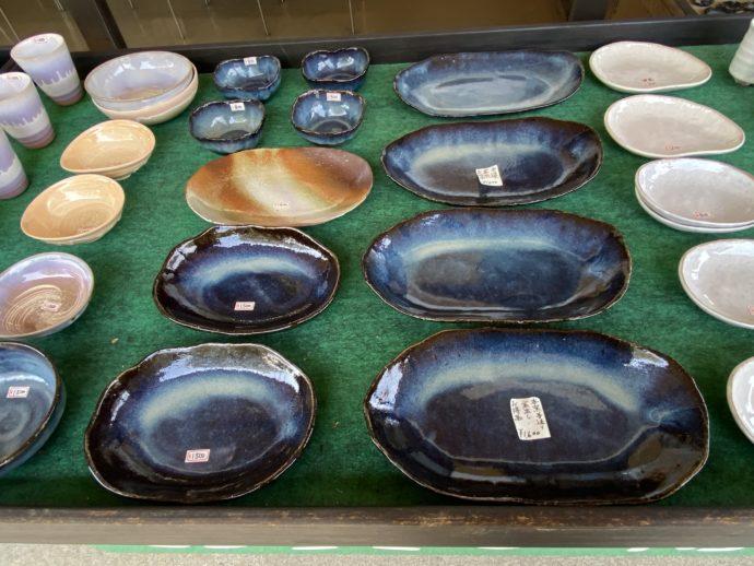 萩焼の青いお皿