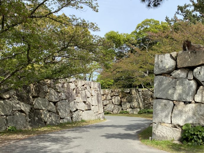 萩城跡指月公園への石垣道