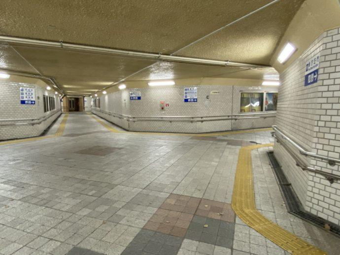 山口県庁前の地下通路