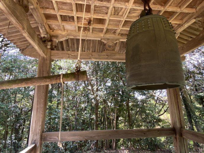 阿弥陀寺の梵鐘と撞木