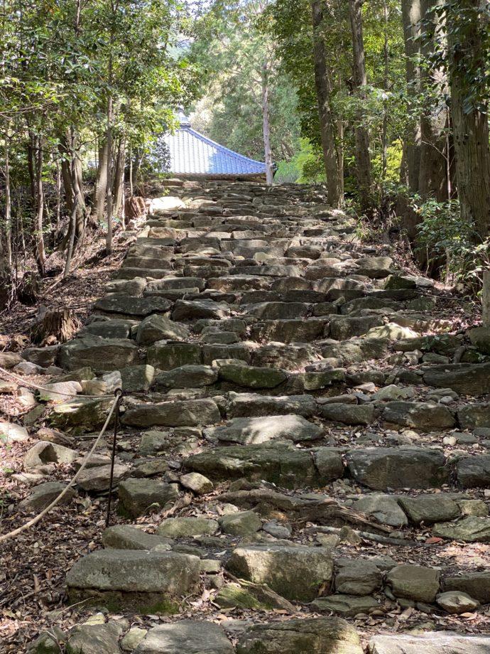阿弥陀寺の石畳の道