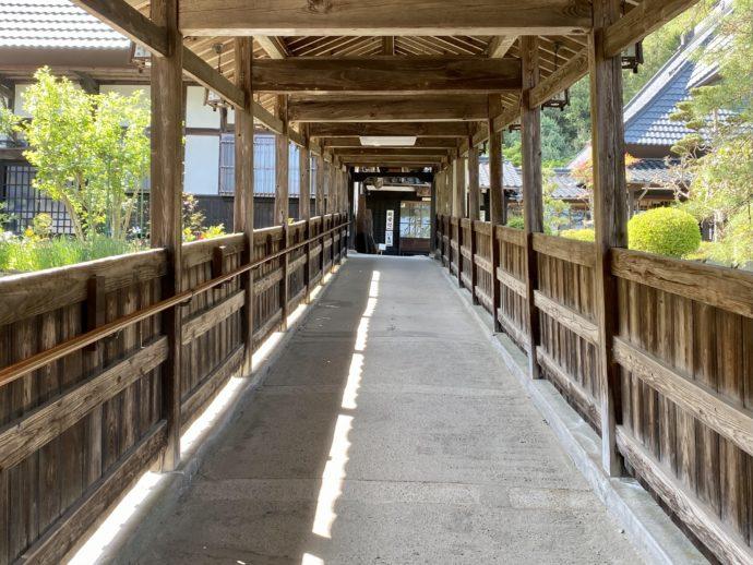 瑠璃光寺の回廊