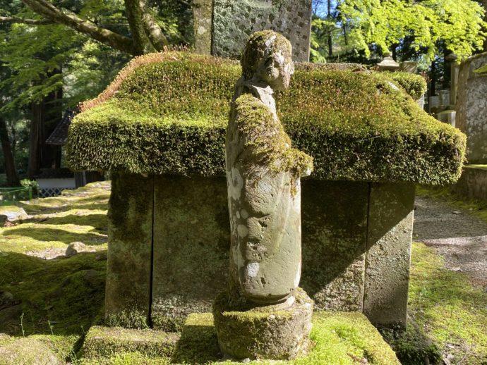 永明寺の墓と仏像