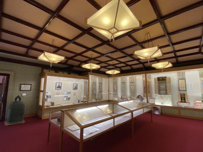 寺宝館の内部