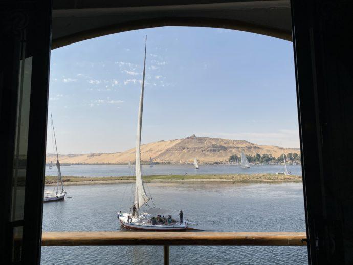 客室から眺めるファルーカとエレファンティネ島