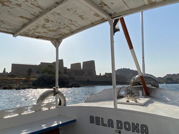 ボートから見たイシス神殿