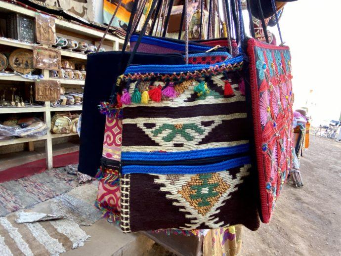 エジプト織物のバッグ