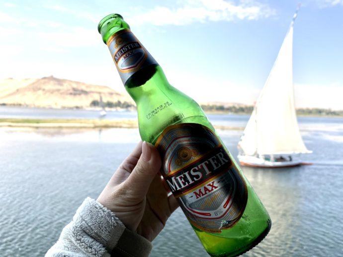 ビールとファルーカ