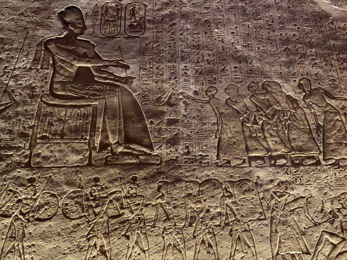 カデシュの戦い作戦会議のレリーフ