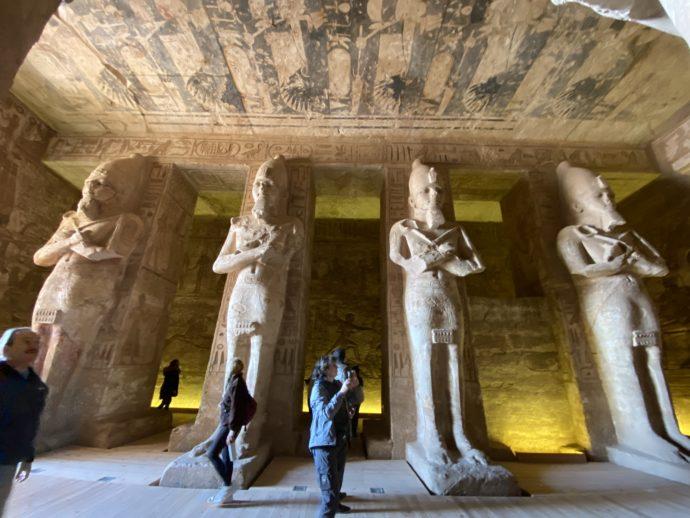 アブ・シンベル大神殿の大列柱室