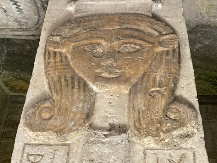 ハトホル柱
