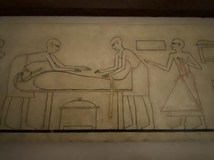 パピルスに描かれたミイラ作り工程