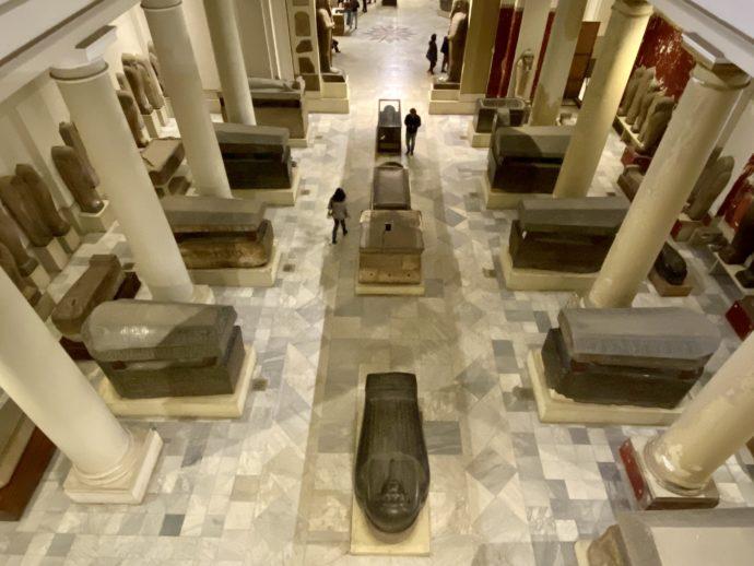 2階から見るエジプト考古学博物館