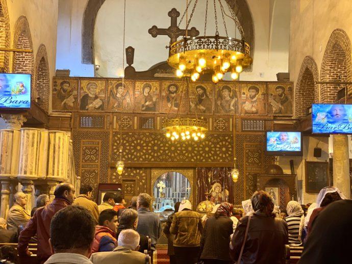 ミサ中の聖バルバラ教会