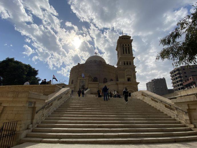 聖ジョージ教会と階段