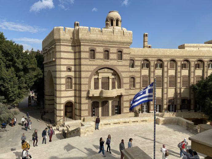 マリ・ギルギスとギリシア国旗