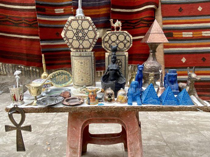 販売中のエジプト土産