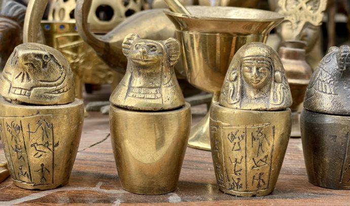 カノプス壺の置物