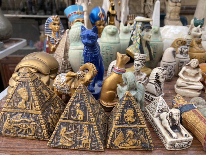 エジプトの置物