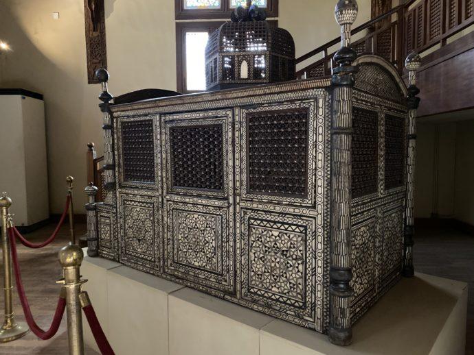 象嵌細工の棺