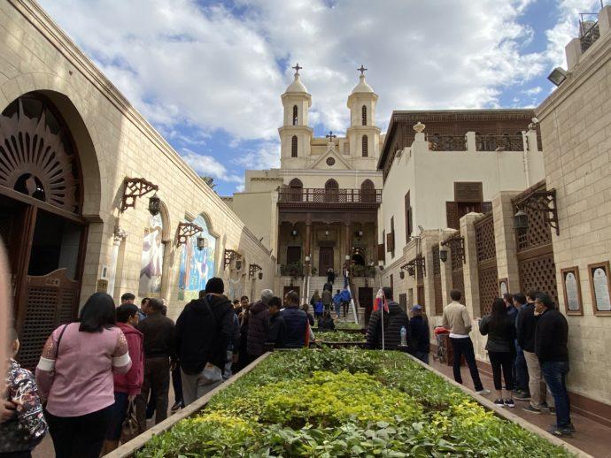 エル・ムアラッカ教会の中庭