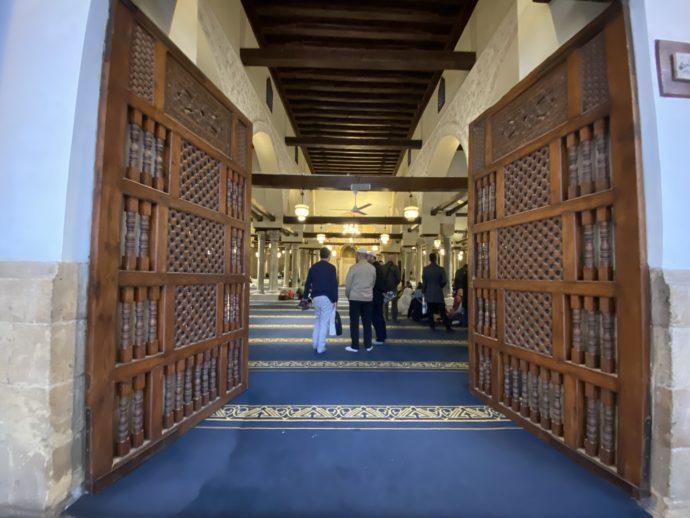 ガーマ・アズハルの礼拝所入り口