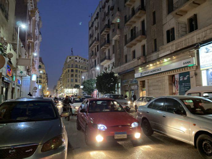 夜のタフリール広場付近