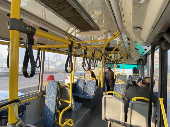 カイロのバス車内