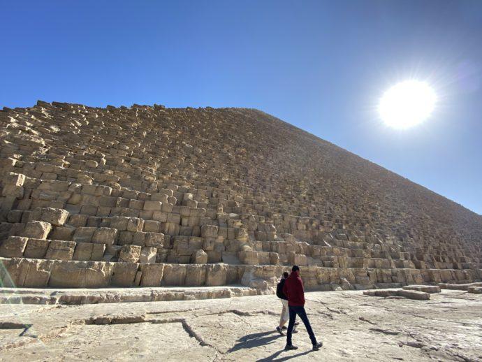 クフ王のピラミッドと太陽