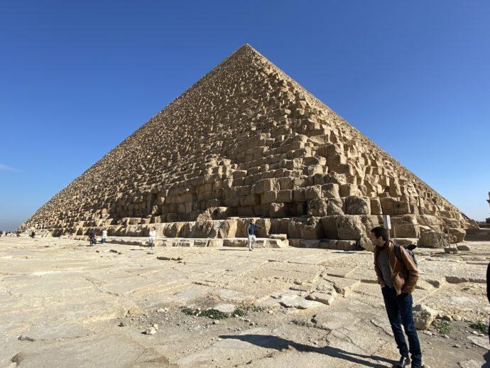 メン巨大なカフラー王のピラミッド