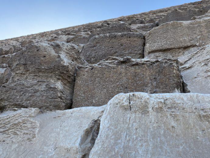 クフ王のピラミッドの石段