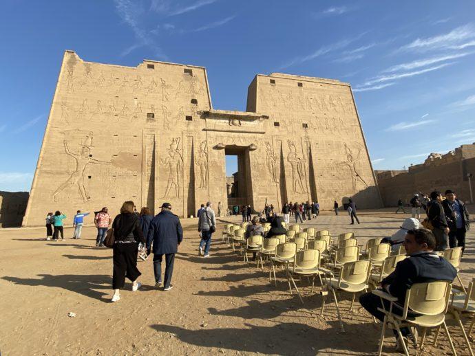 ホルス神殿の塔門