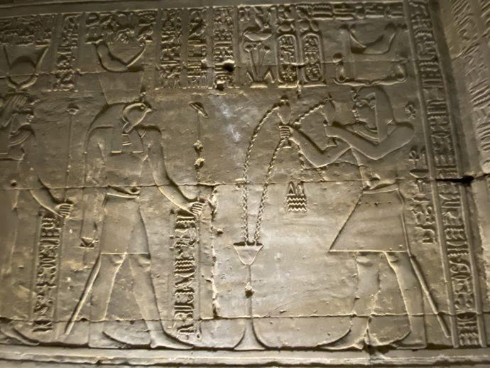 ホルス神殿のレリーフ