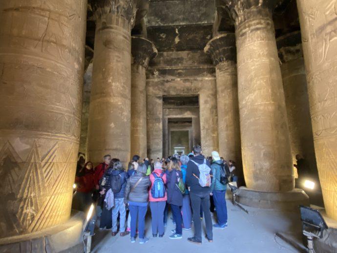 ホルス神殿の列柱室
