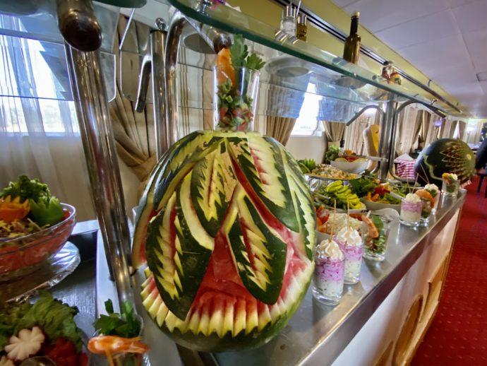 野菜の彫刻アート