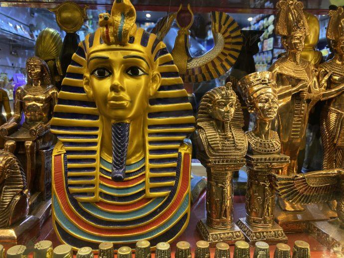 ツタンカーメン王の黄金マスクのレプリカ