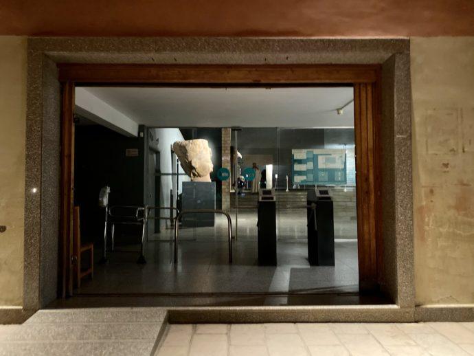 ルクソール博物館の入り口