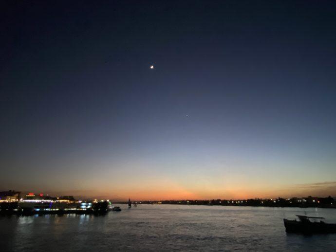 夕暮れのナイル川