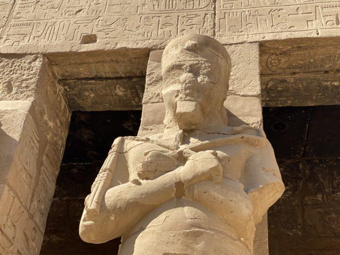 オシリス神の柱