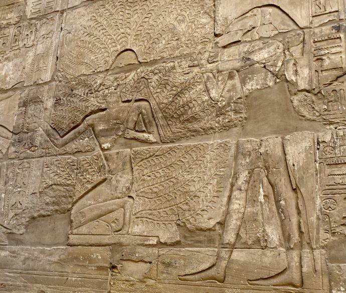 カルナック神殿の大列柱室のレリーフ