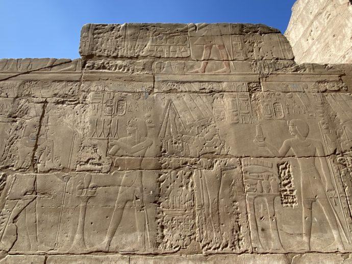 ルクソール神殿のレリーフ